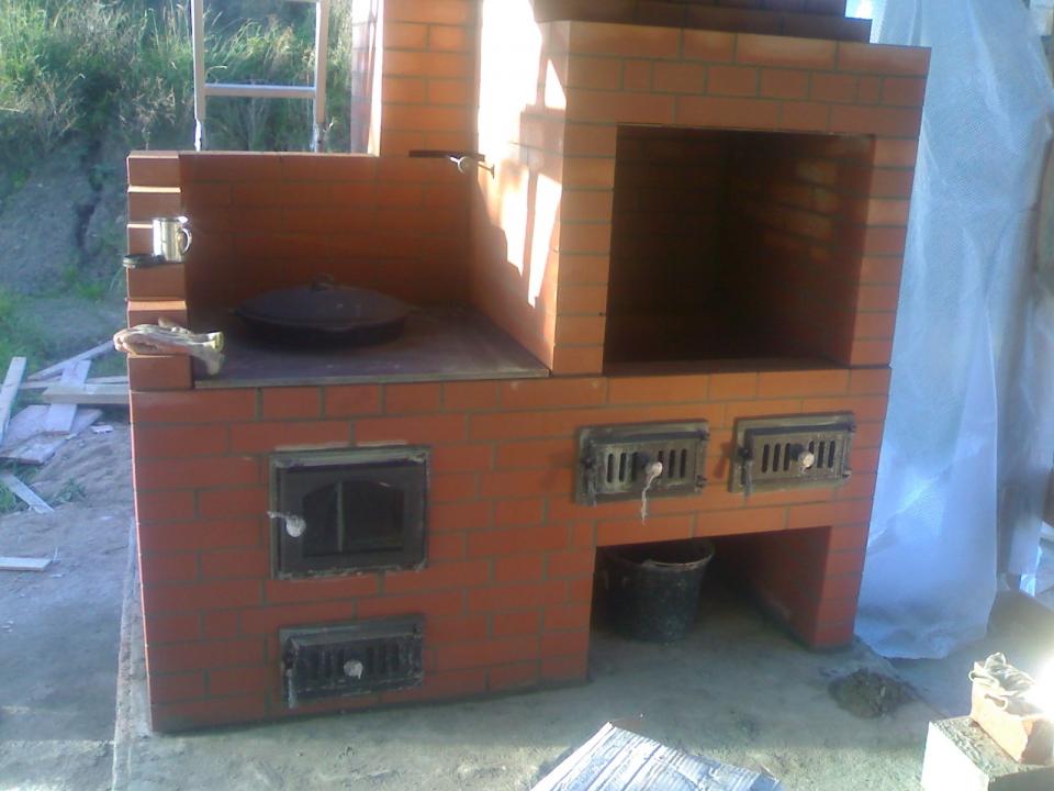 Как построить печь для барбекю и казана своими руками